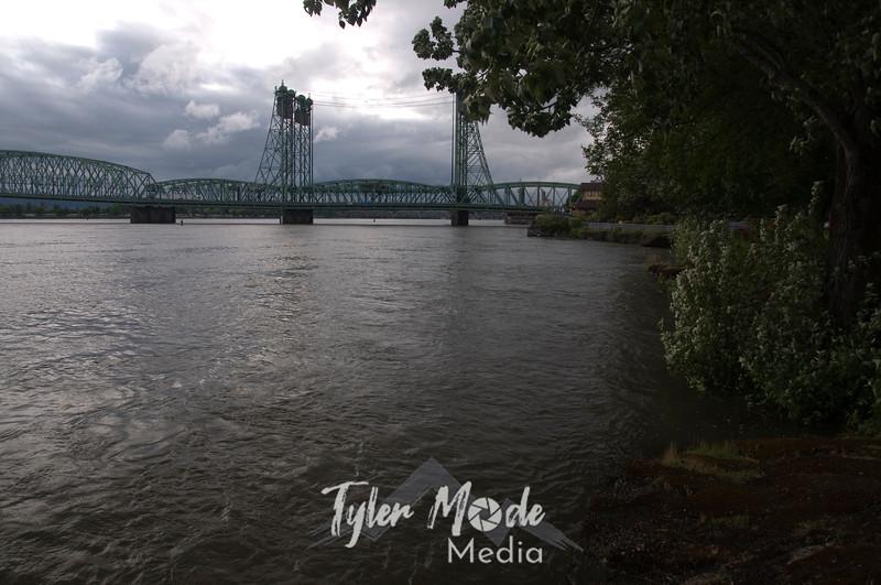 14  G High Columbia and Bridge