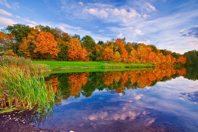 Ohio, Cuyahoga Valley National Park, Indigo Lake, Fall Colors Foliage, Reflection, Sunset Landscape 俄亥俄 坎格瑞沼泽国家公园 风景 秋色