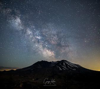 Milky Way over Mt St Helens (6/17/2018)