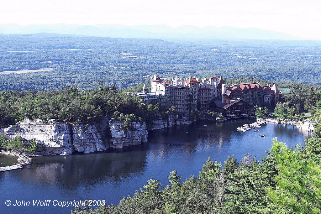 <b> Mohonk Mountain House on Mohonk Lake </b>