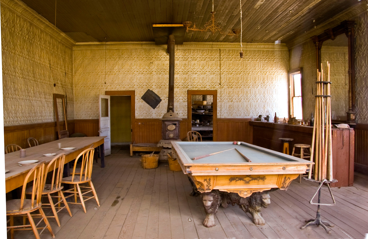 Ready for a game of billiards, a drink at the bar and a meal at the 5 Star Bodie Hotel