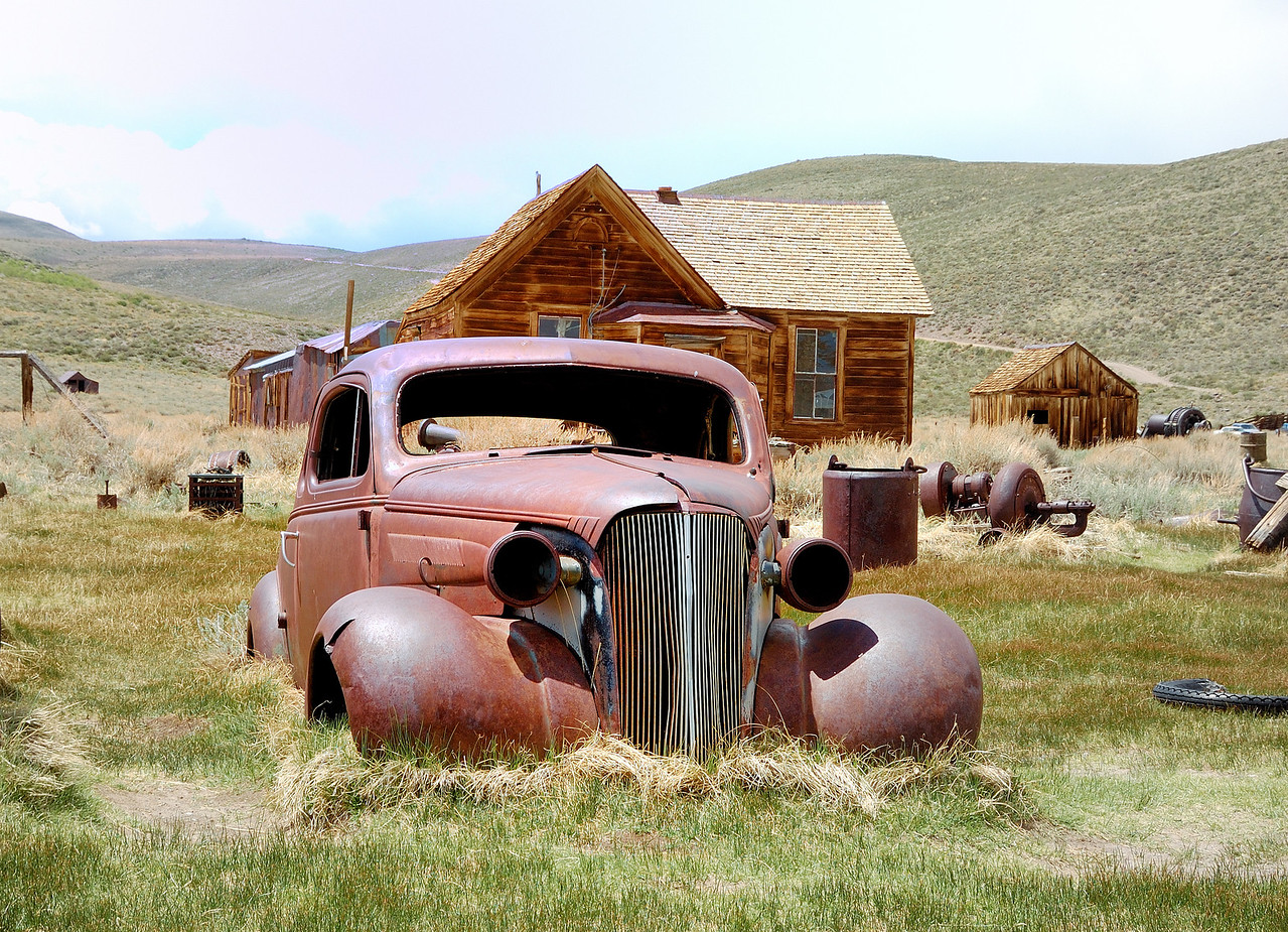Red car in Bodie