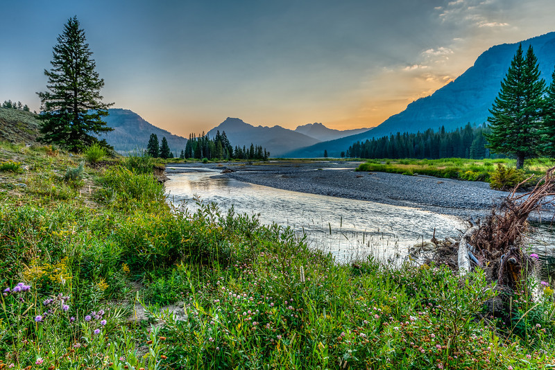 Sunrise, Soda Butte Creek in the Lamar Valley