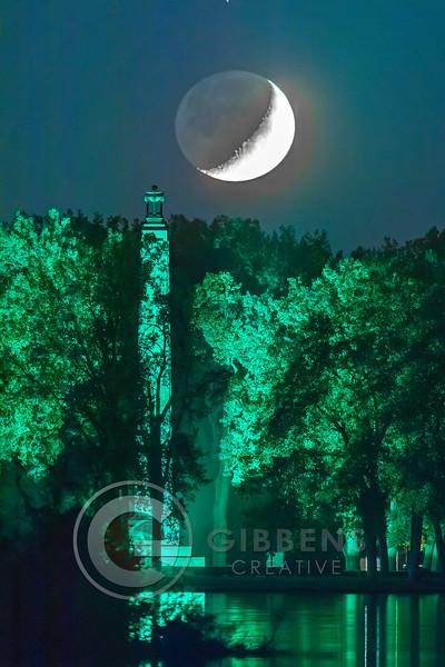 Moon & Monument