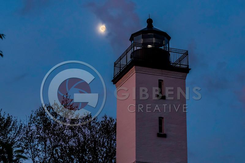 Presque Isle Lighthouse Moon 2019