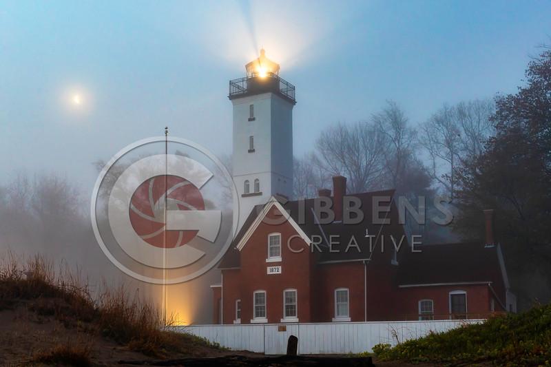 PI Lighthouse half moon color