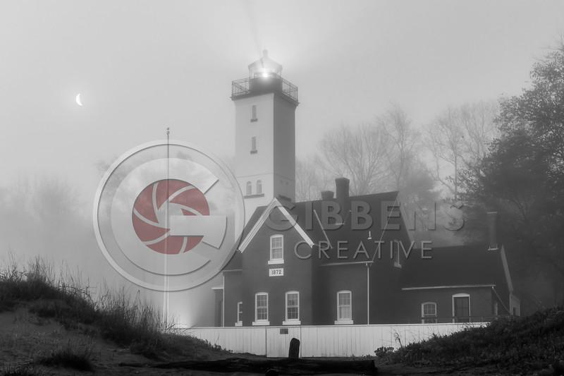 PI Lighthouse B&W Half Moon Full House