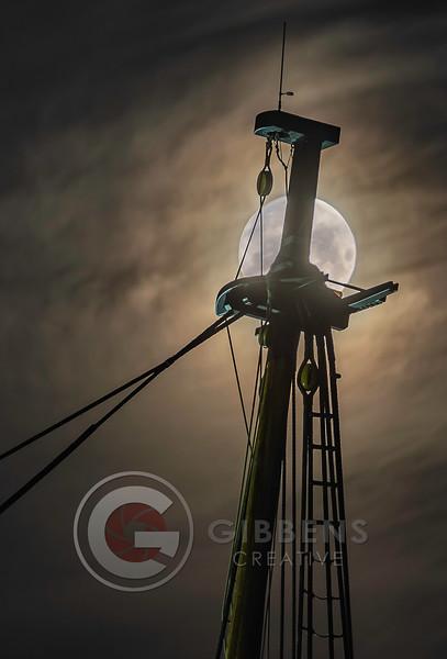 Flagship Niagara & Full Moon