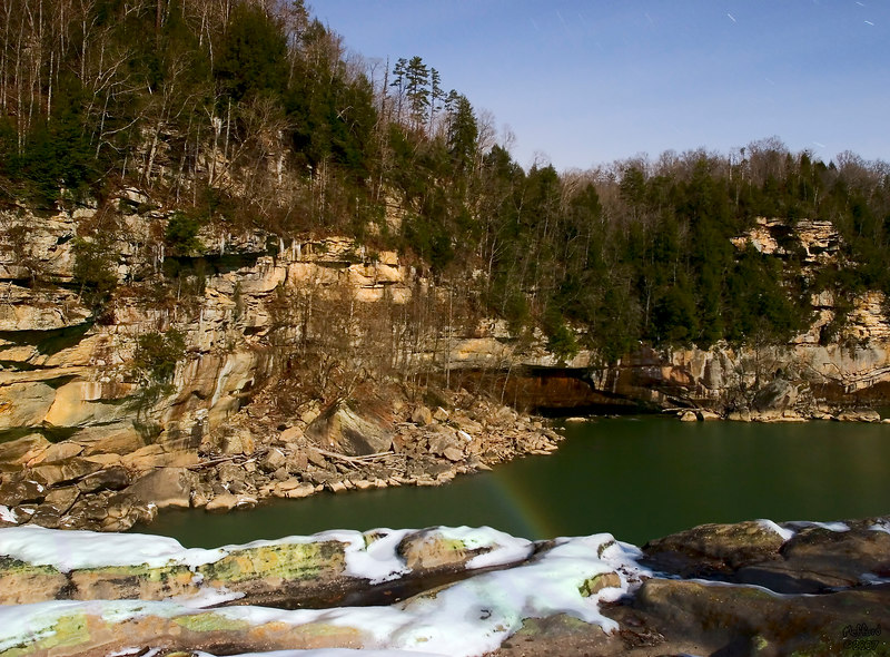 4 February 2007.  Faint moonbow, Cumberland Falls, Whitley County, KY.