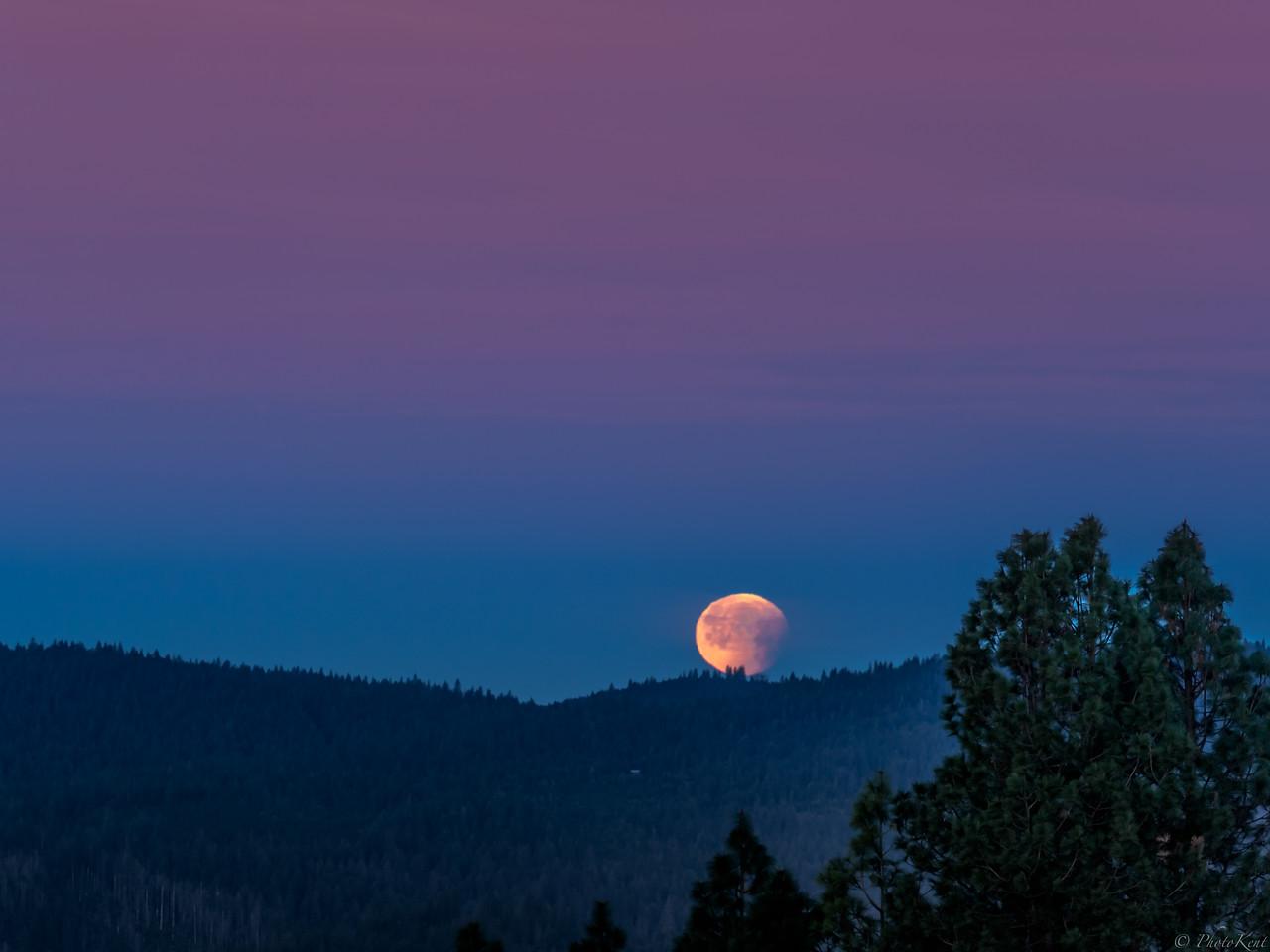 Blue Blood Moonset over Ananda Village