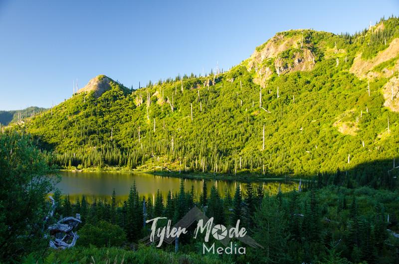 8  G Meta Lake Sunrise Wide