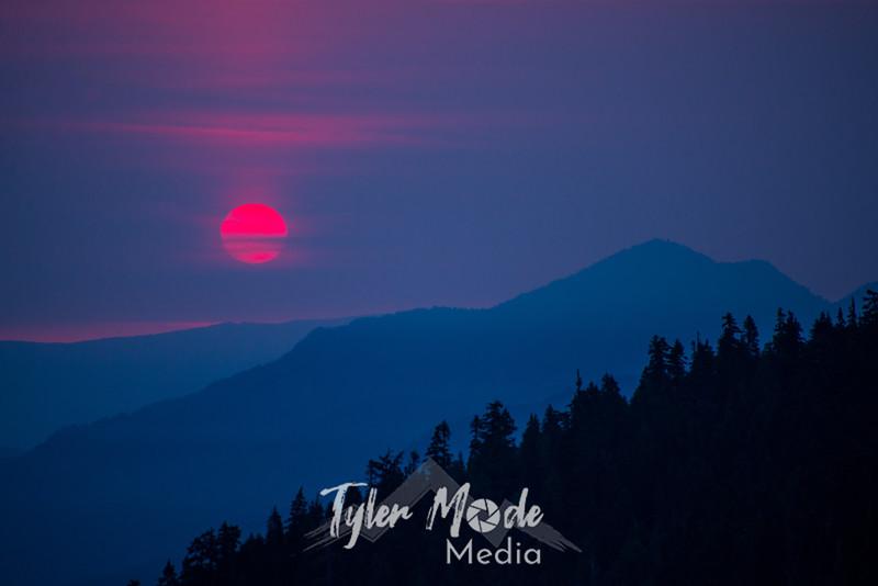 19  G Smokey Chinook Pass Sunrise