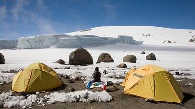 Glacier Camp @ 18,600' 4037