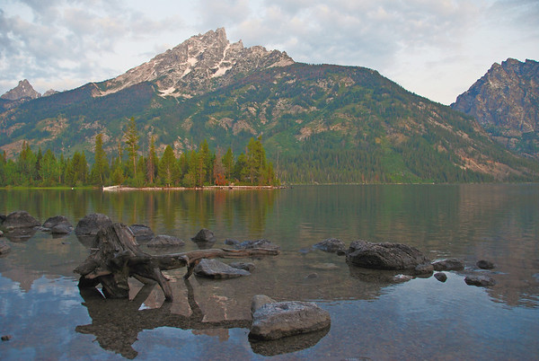 Sunrise at Jenny Lake with the Grand Tetons reflection