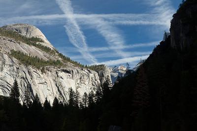 Yosemite Contrails 2585