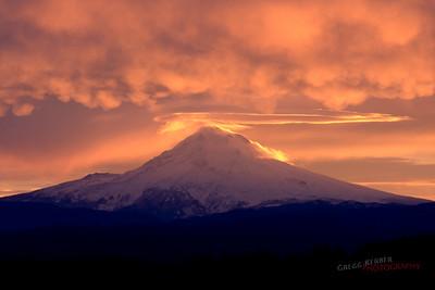 Mt. Hood sunrise (11/9/2009)
