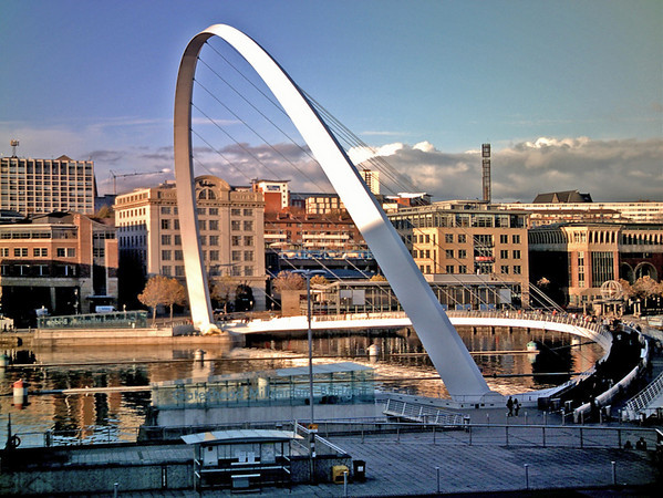 Millenium Bridge on the River Tyne between Newcastle and Gateshead