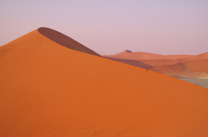 The road from Sesriem to Sossusvlei went right into the heart of the dunes and the scenery was breathtaking.