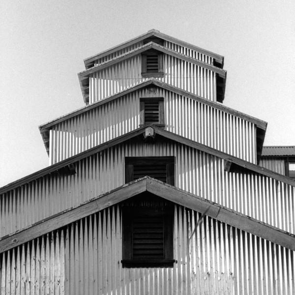 Henry Road barn 3
