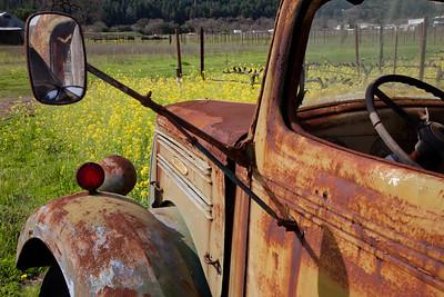 Mirrored Truck 8895