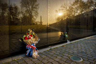 20160416-072405_[Vietnam Veterans Memorial]_0016_Archive