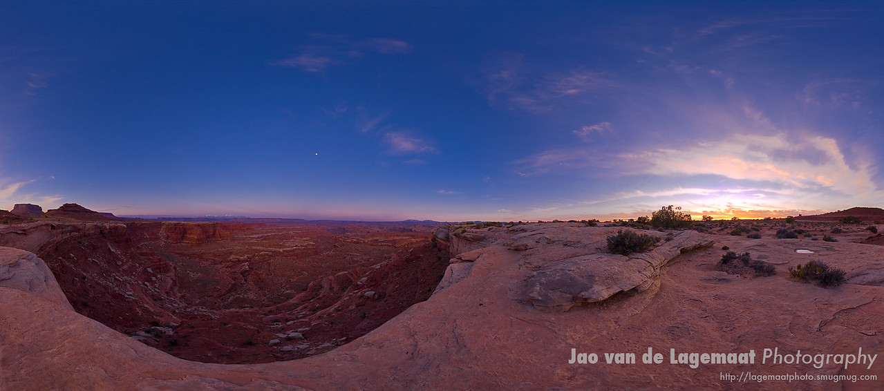 Sun and Moon on the White Rim in Canyonlands