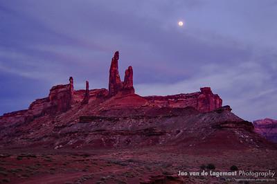 Moonlight illuminates Moses and Zeus
