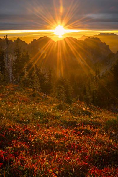 Sunburst Sunset Over The Tatoosh Range Pinnacle Peak Trail, Plummer Peak, Mt Rainier National Park, WA