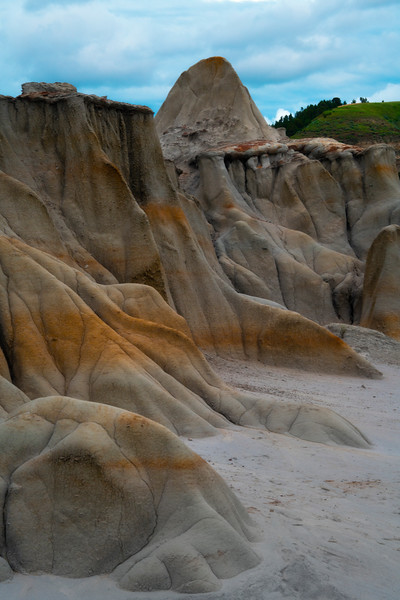 Tropical Looking Rocks In Badlands - Theodore Roosevelt National Park, North Dakota