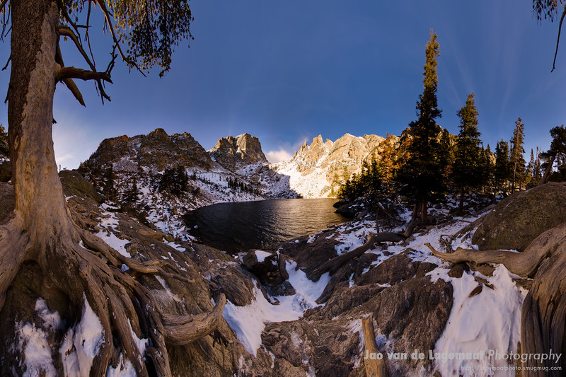 "Emerald Lake sunrise panorama. Read about it <A HREF=""http://lagemaat.blogspot.com/2010/01/redone-360-degrees-panorama-from.html"">in my blog</A>."
