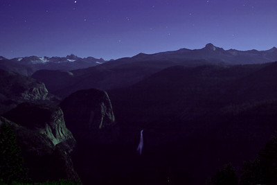 Yosemite Valley at 2 AM