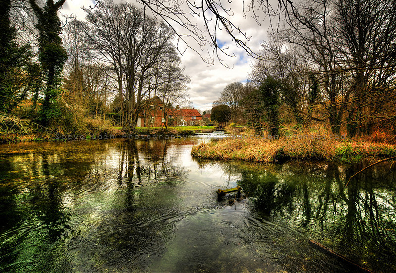 Itchen Abbas, Hampshire - Mill House on the River Itchen