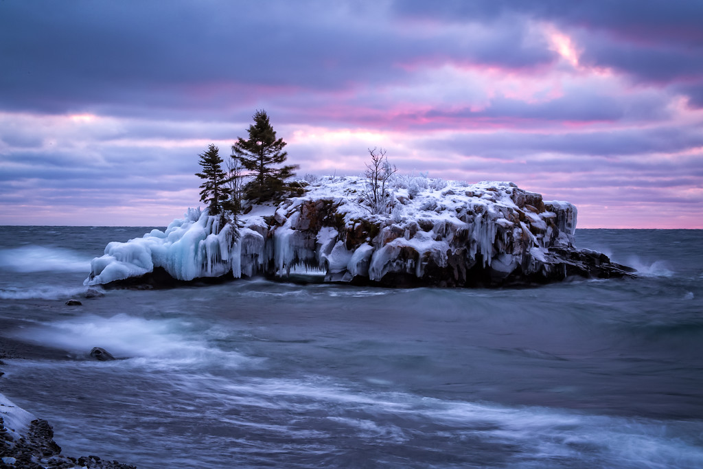 Hollow Rock in Lake Superior - Color
