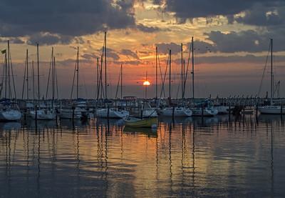 Lake Michigan Sunrise, South Shore Park. Bayview, Milwaukee Wisconsin.