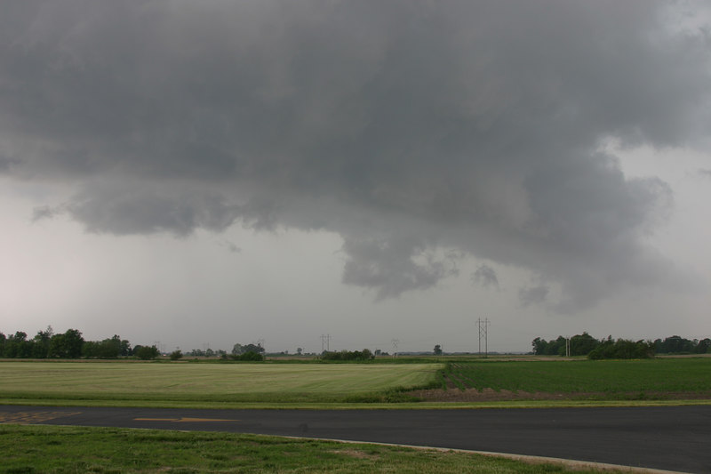 May 31 2006 Montgomery Co Indiana.  4 weak (F0 -F1)tornado's touched down 30 miles north of here (Monticello area) during the time I took this storm photo.