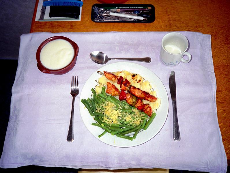 Aardappelen, groente, vlees