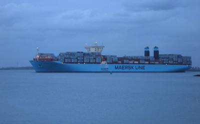 Grootste containerschip ter wereld in Rotterdam