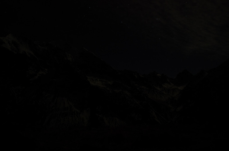 Early morning (2.15am) Ascending Yala Peak with stars and whatnot. It was freezing cold that night!