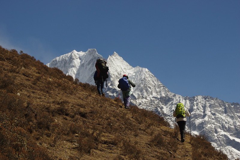 Our little expedition left for Mount Thamserku. Even though we did not make it to the summit the views were astonishing