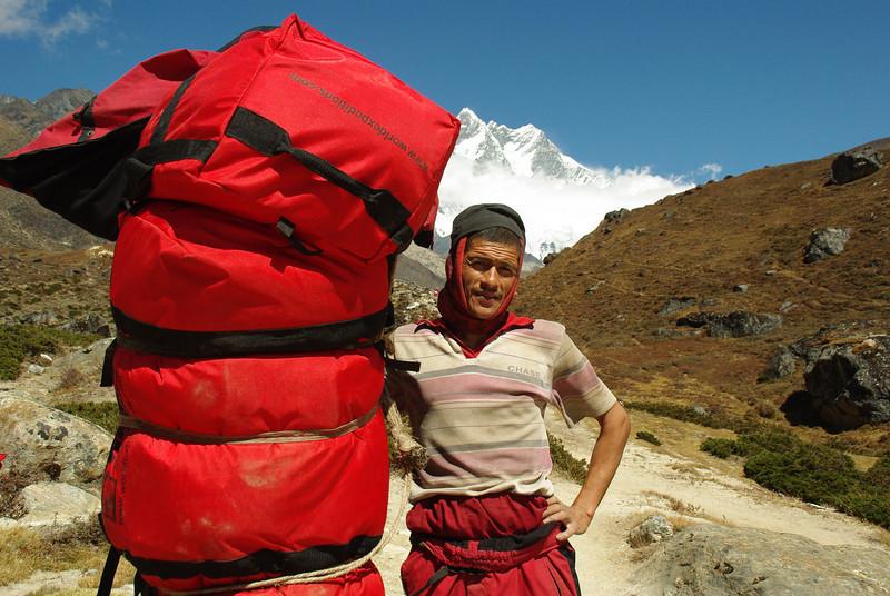 Awesome insane guy in Solu Khumbu, carrying 90kg's
