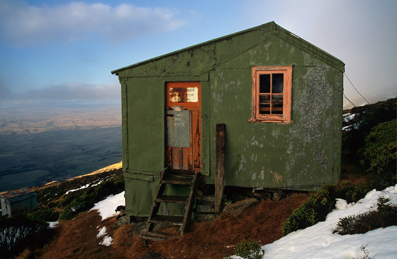 The old Leaning Lodge Hut, Rock and Pillar Range