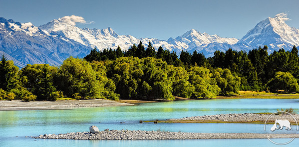 Aoraki Mount Cook seen from the eastern shore of Lake Pukaki.