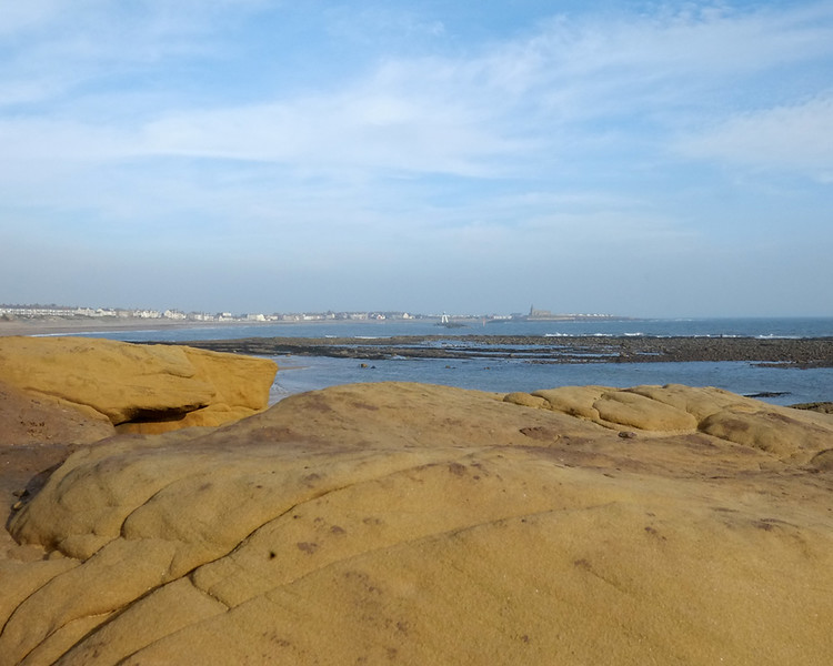 Newbiggen to Sandy Bay