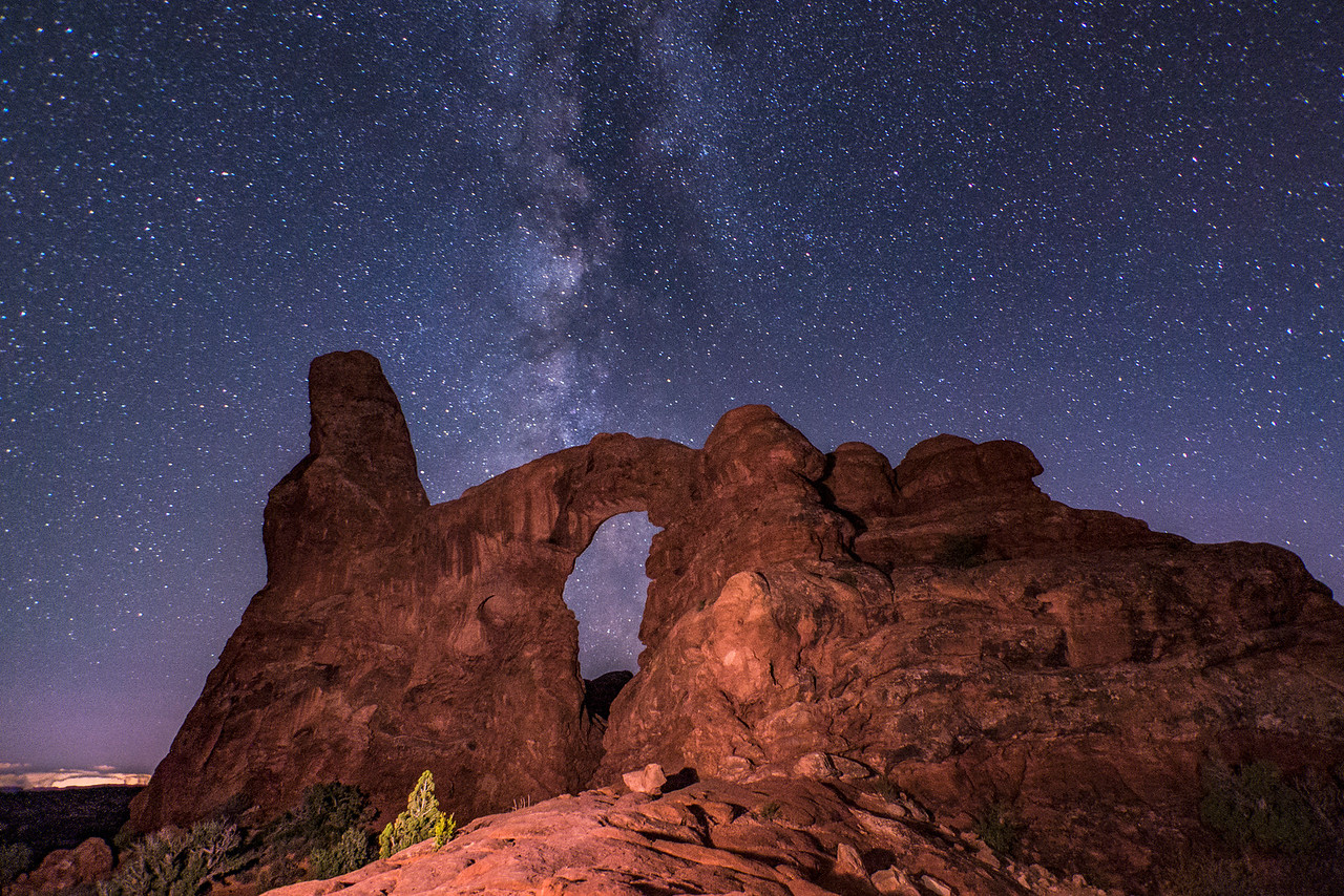 Turret Arch and Milky Way