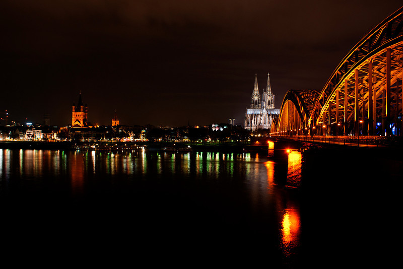 Dom Cathedral and skyline, Koln (Cologne) Germany.