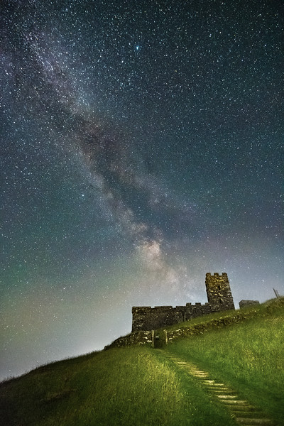 Brentor beneath the stars 1