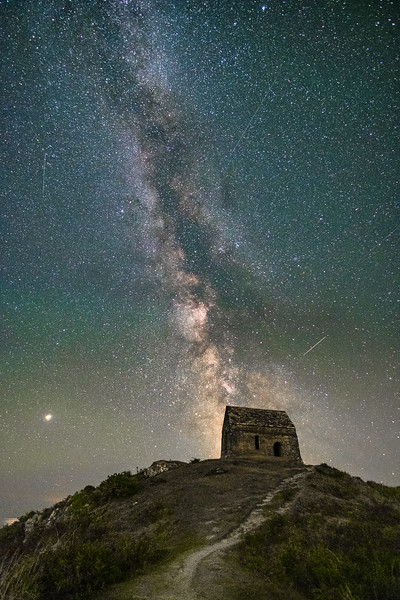 Meteors above the old chapel at Rame Head