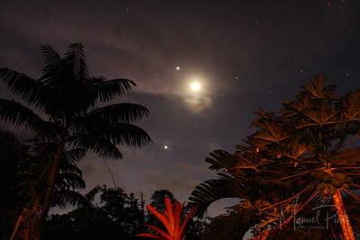 The moon with Jupiter above and Venus below on a 26 February 2012 evening at Villa Toucan - Big Tree in Punta Uva Costa Rica