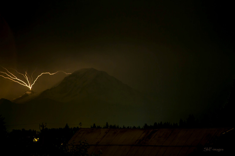 Mt. Rainier lightning strike July 8, 2012 10:59 pm
