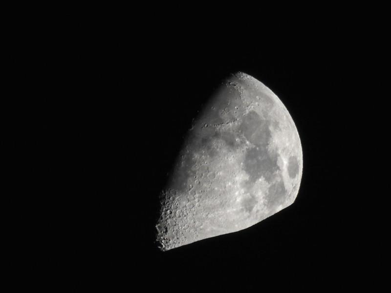 Moonset and Mt Rainier